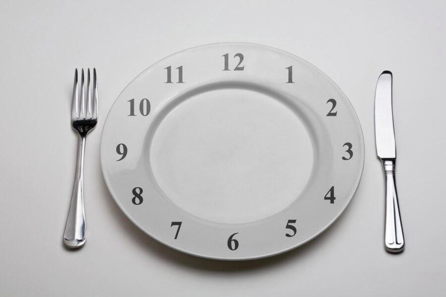 Не есть после 18:00 - частая ошибка худеющих