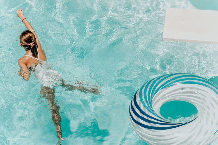 Активность в течение дня поможет сохранить фигуру во время отпуска