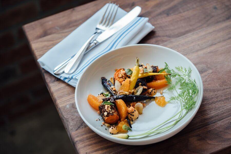 С помощью микрозелени можно украшать блюда