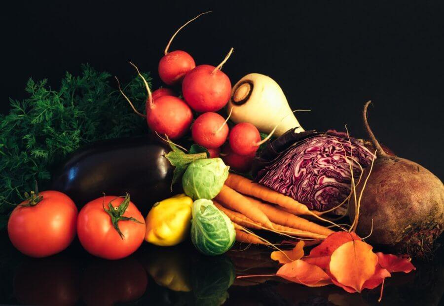 В течение всего дня нужно придерживаться основ правильного питания.