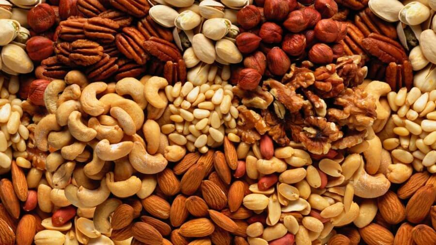 При похудении разрешается съедать 30-40 грамм орехов