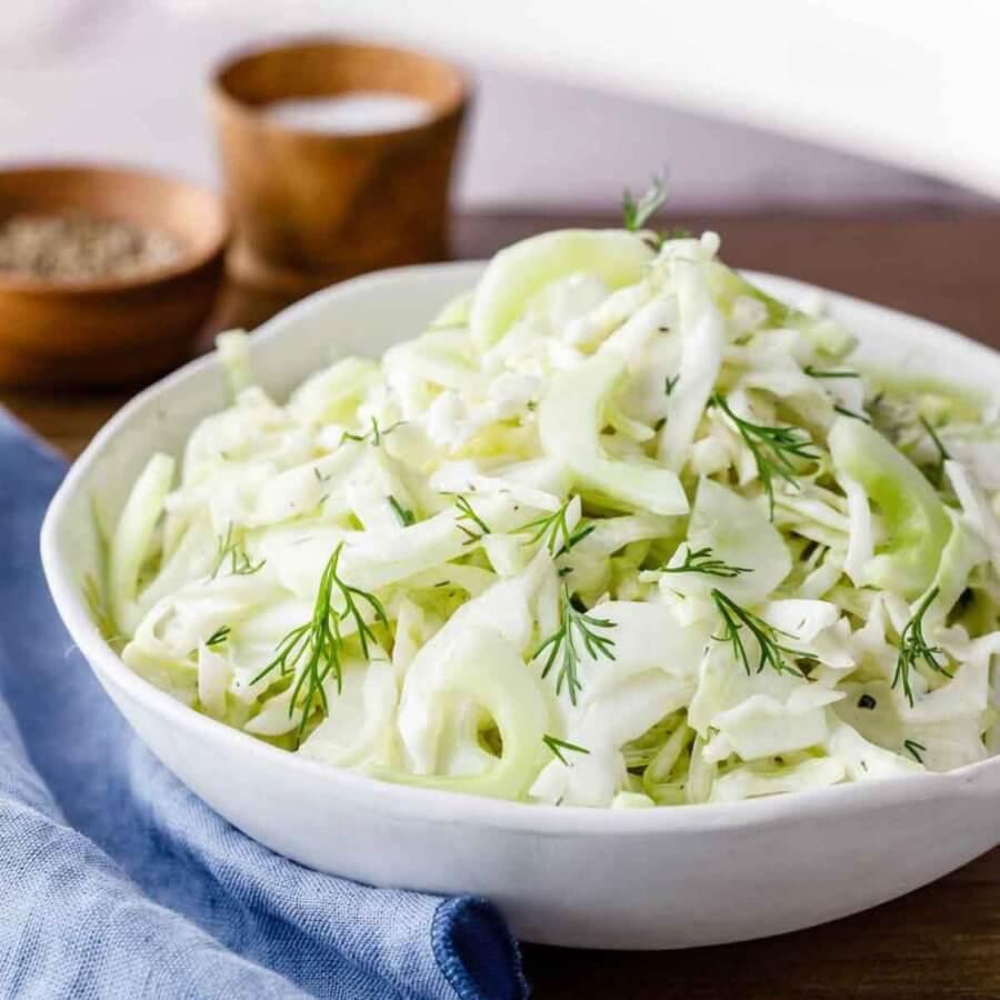 Капустный салат с кальмаром